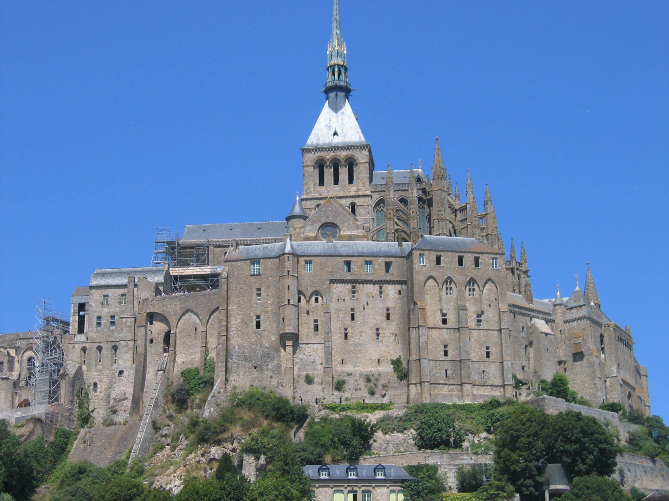 Le mont saint michel dans sa splendeur for Mont saint michel interieur